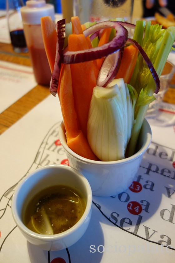 Raw vegetables and seasoned olive oil pizimino served at Dario Cecchini's restaurants in Panzano
