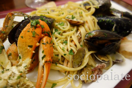 Spahetti with crab mussels clams and squid at Re Matto restaurant and pizzeria in Florence