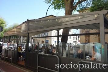 Badianis-outdoor-area-florences-favorite-gelateria