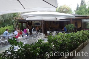 beautiful outdoor patio seating at Bella Blu in Maiano